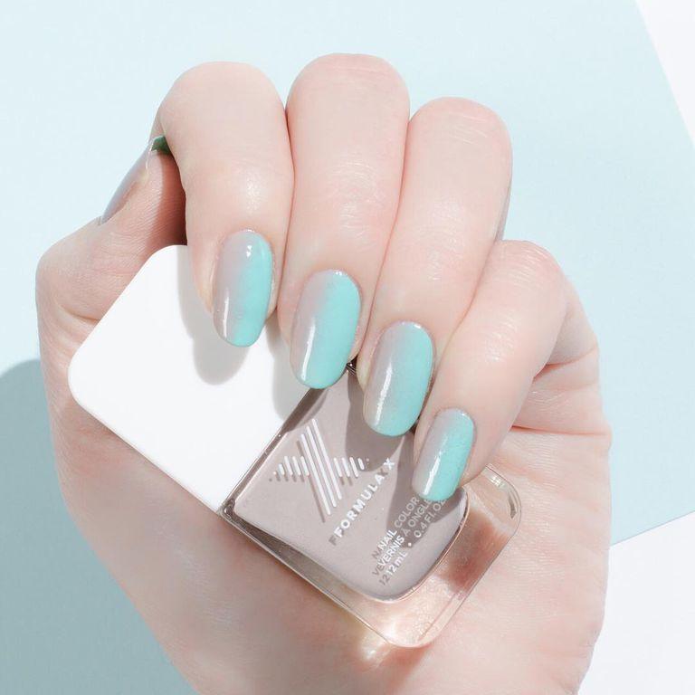 20 Ideas de uñas ombré para llevar muchos colores a la vez