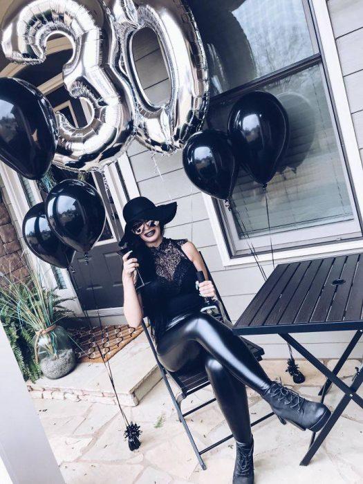 Chica decide hacer funeral cuando cumple 30