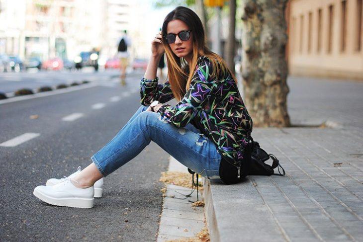 chica con jeans