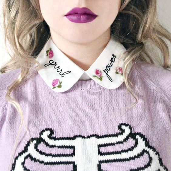 cuello bordado que dice poder femenino