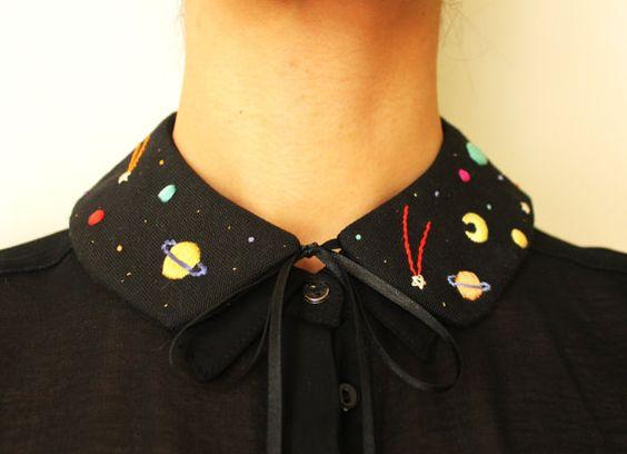 cuello bordado con planetitas
