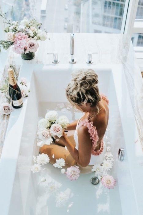 chica en un día de spa