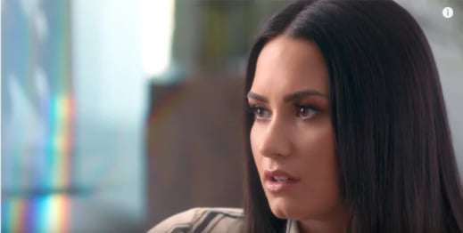 Demi Lovato dando declaraciones durante su documental simply complicated