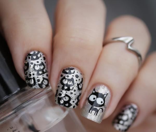 uñas decoradas en color plata