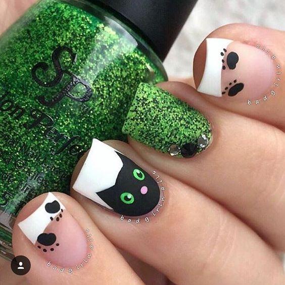15 Lindos diseños de manicura para las amantes de los gatos