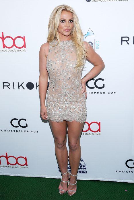 Britney Spears posando para una foto