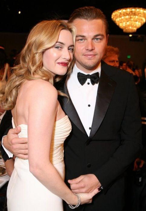 Kate Winslet y Leo DiCaprio juntos en los premios globos de oro 2007