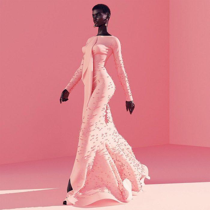 chica modelando un vestido rosa