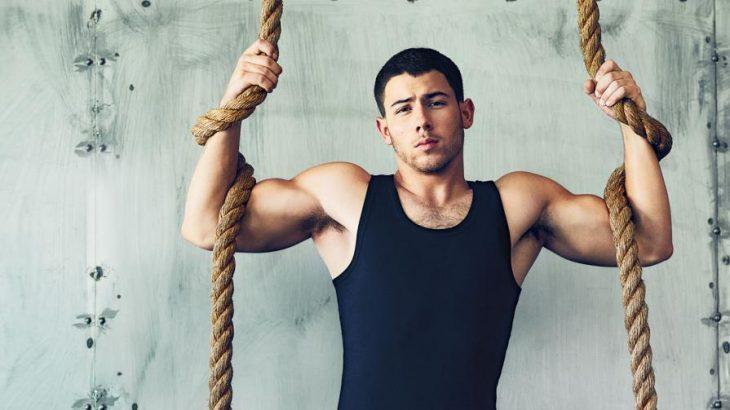 Nick Jonas, chico musculoso