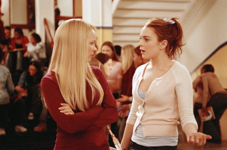 Escena de la película chicas pesadas. Regina George hablando con Cady