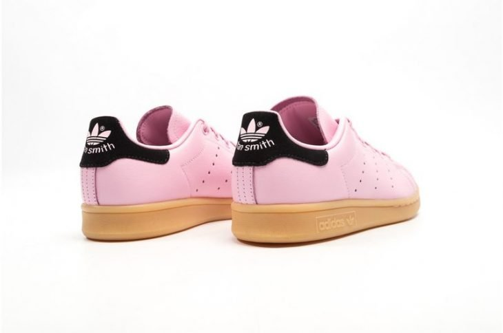 Tenis adidas stan smith de color rosa con negro