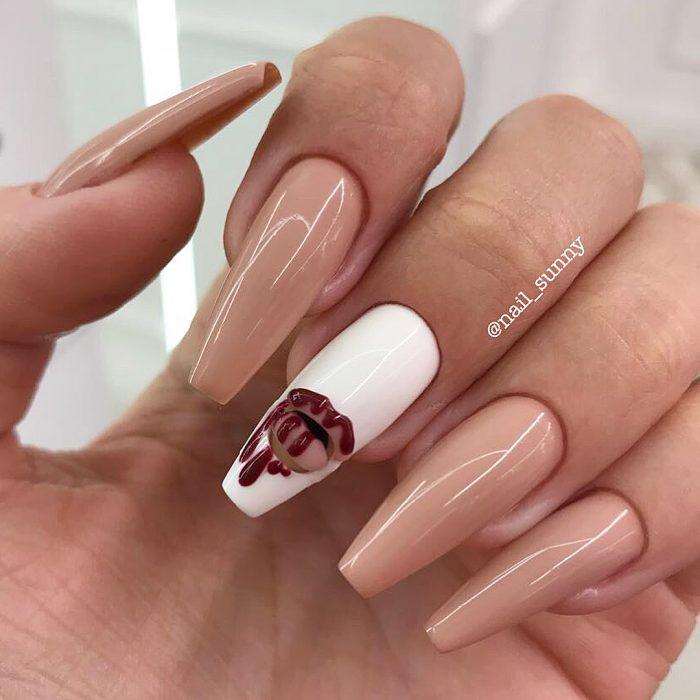 Uñas en 3D Creadas por el salón de belleza nail sunny en forma de labial de Kylie Jenner