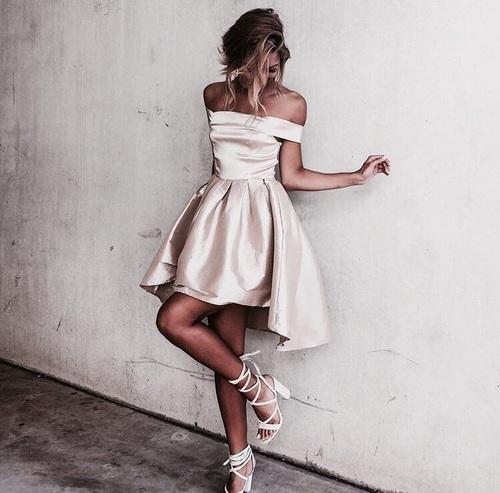 vestido blanco asimetrico vintage
