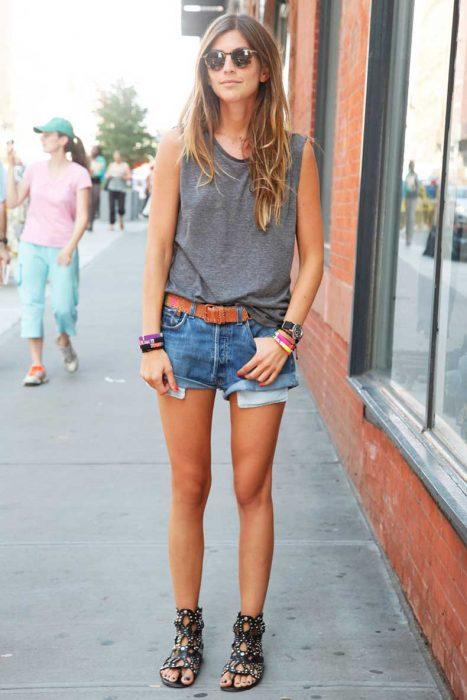 vintage-denim-shorts-street-style