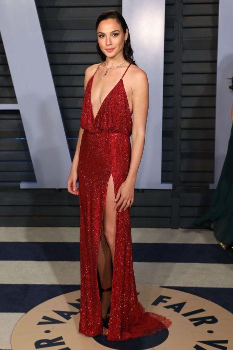 Gal Gadot vestido rojo armani privé 2018