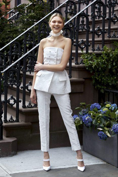 Vestidos de novia traje nupcial blanco de pret a porter