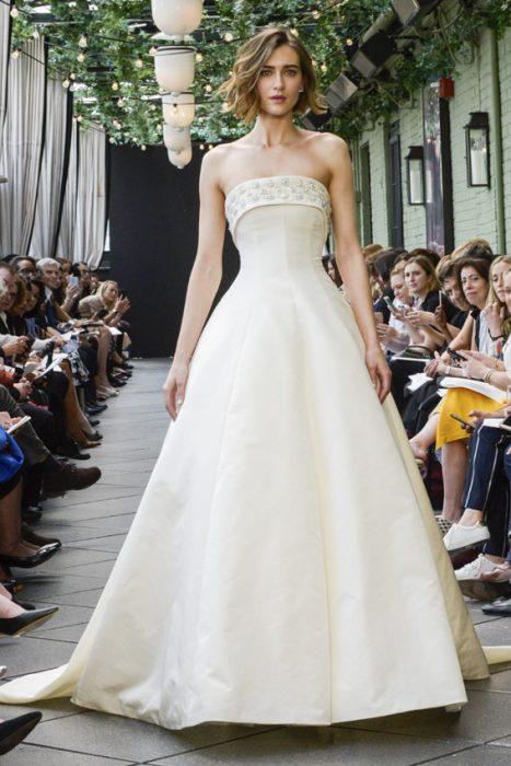 vestido de novia de amasale aberra