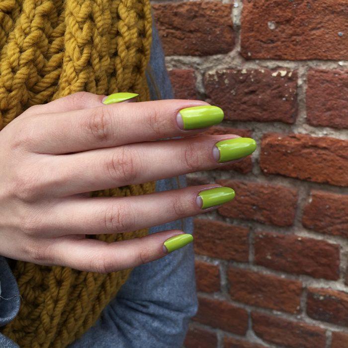 frances invertido uñas