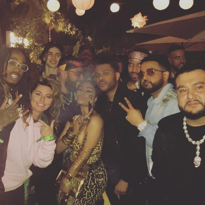 grupo de amigos en una fiesta