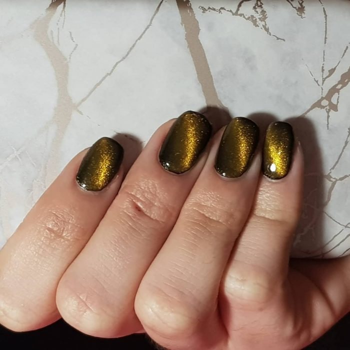 CAT EYE MANICURE dorado