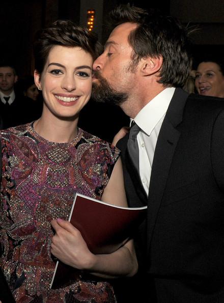 Anne Hathaway y Hugh Jackman amigos