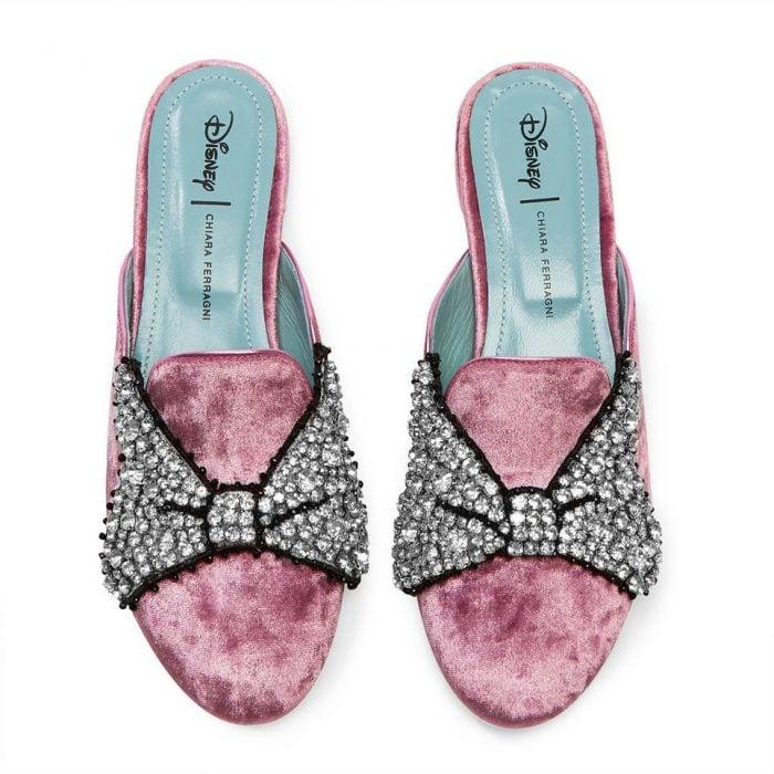 Chiara Ferragni for Disney mules rosas con lazos de piedras