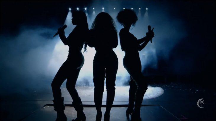 sombra tres mujeres en escenario beyoncé destinys child