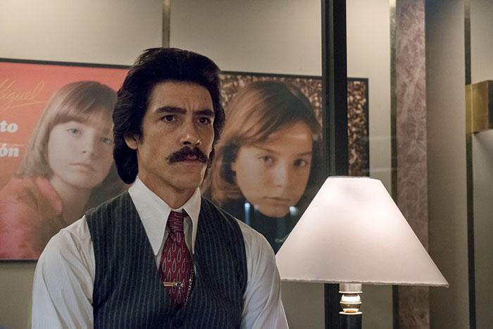 Escenas de la serie de Luis Miguel
