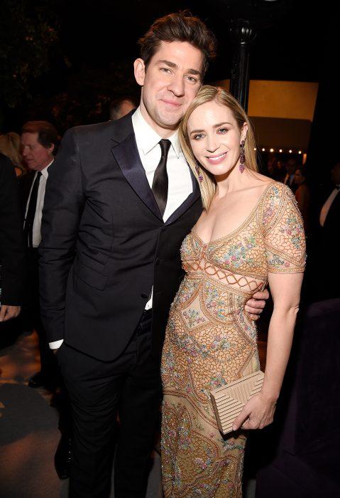 Emily Blunt junto a su esposo en una cena de gala