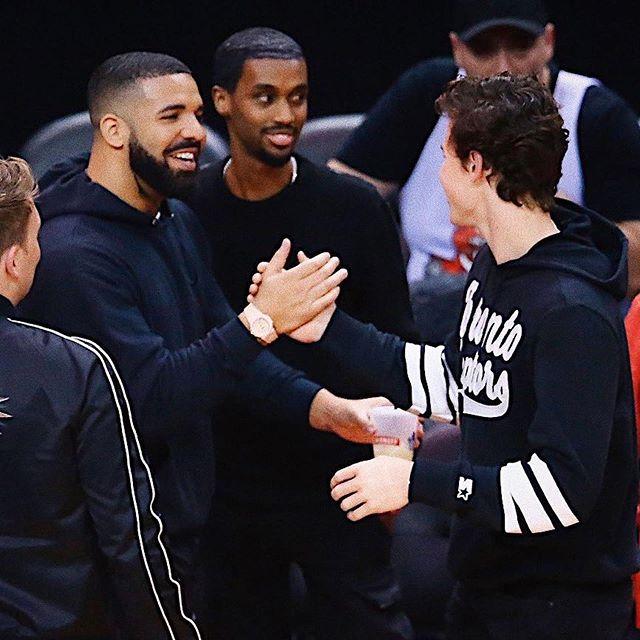 Shawn Mendes con Drake