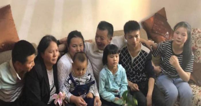 Niña desaparecida junto a su verdadera familia 24 años después