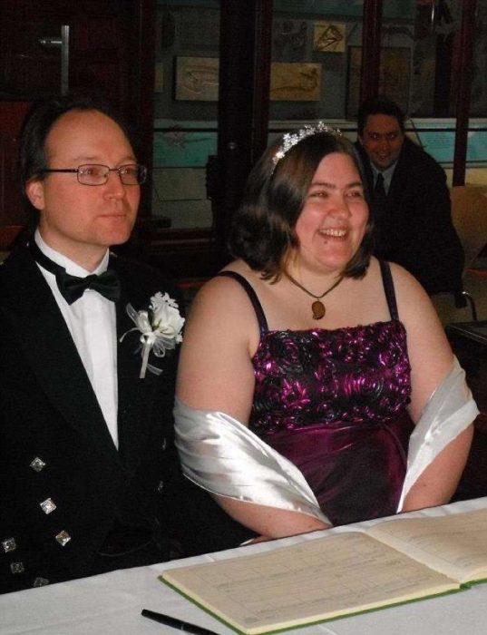pareja de novios recién casado