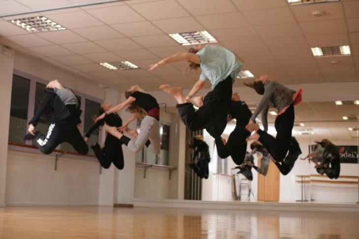 bailarinas brincando