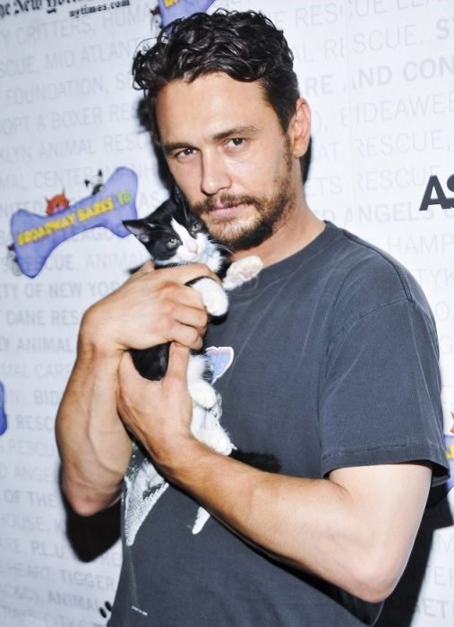 james franco gatito sensual