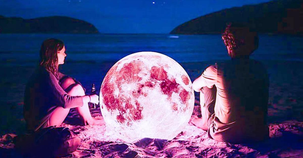 La luna rosa podría afectar tu vida amorosa dependiendo de tu signo zodiacal