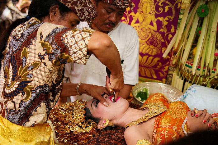 tradiciones raras de matrimonio