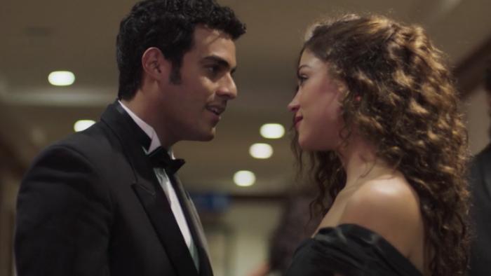Escena de Luis Miguel la serie de Netflix