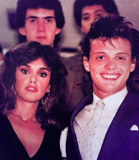 Luis Miguel junto a Lucia Mendez