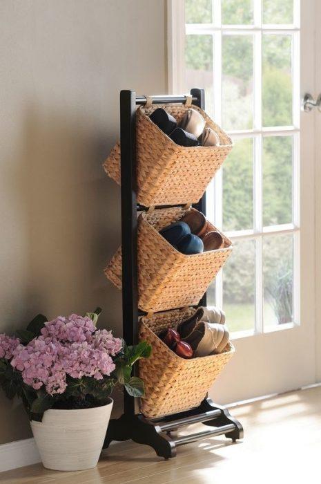Zapatos colocados en unas cajas de pija