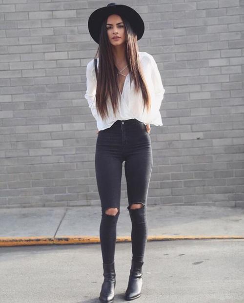 chica usando pantalones altos