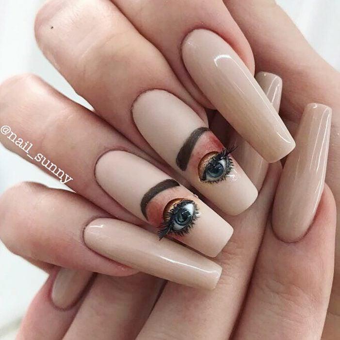 Uñas de ojos creados por nail sunny