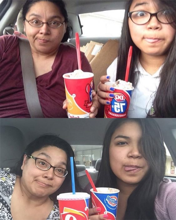 Chica tomandose una foto junto a su madre mientras toman una bebida
