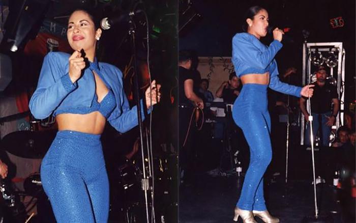 mujer con un conjunto azul