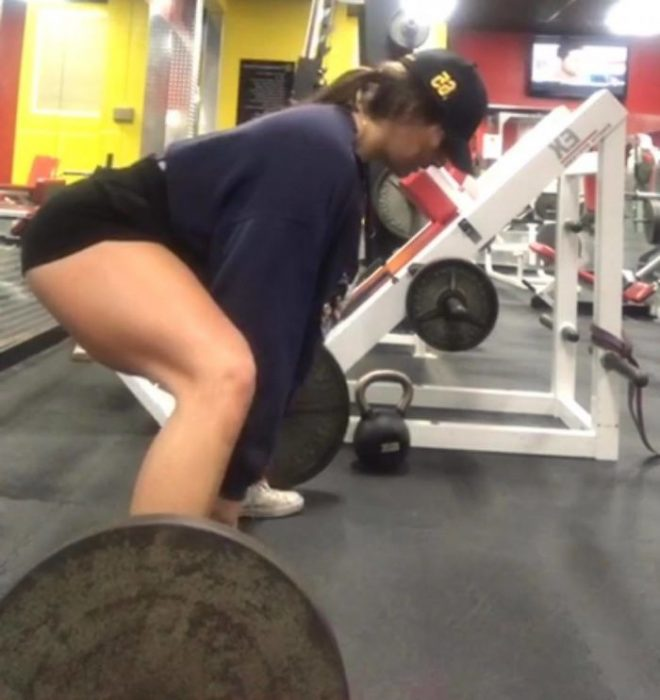 Chica que perdió 300 libras levantando pesas