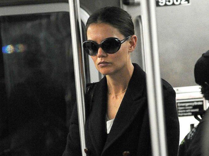 chica con gafas oscuras