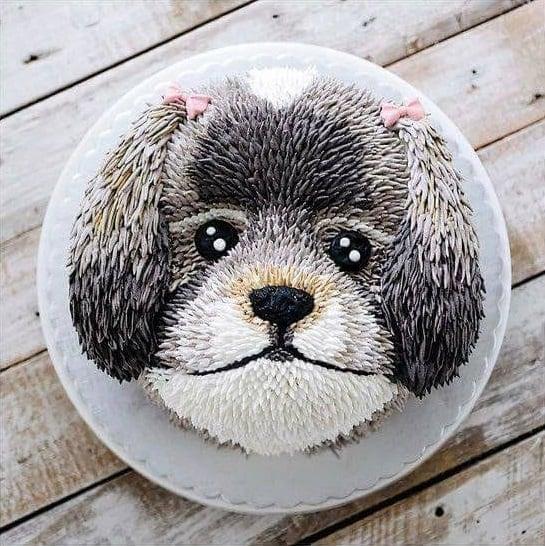 pastel en forma de perro gris