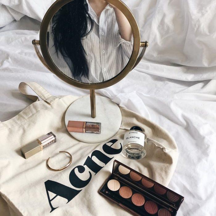 maquillaje para mujer en tonos neutros