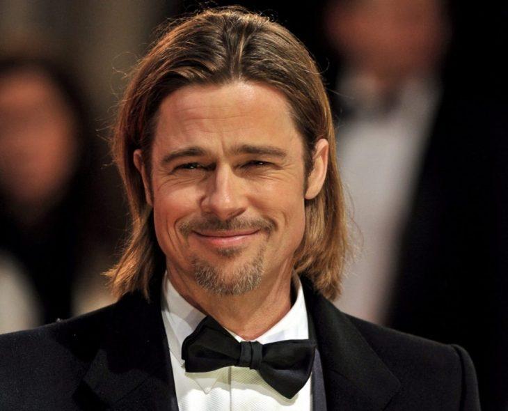 Brad Pitt usando un smokin en la gala de los Óscar