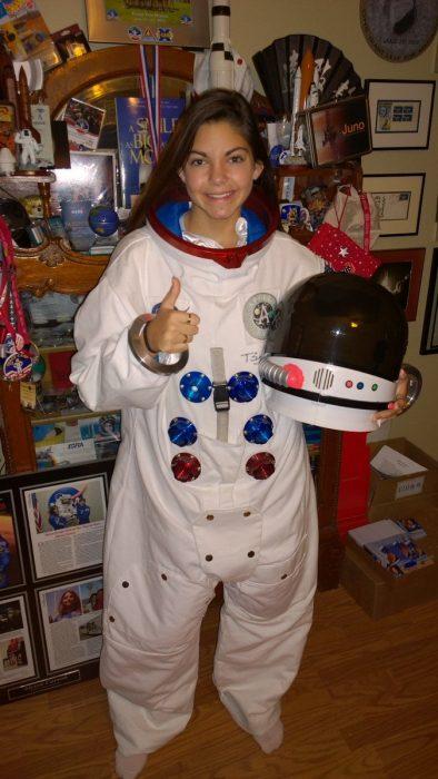 Alyssa Carson chica que podría viajar a Marte en el 2033 usando un traje espacial