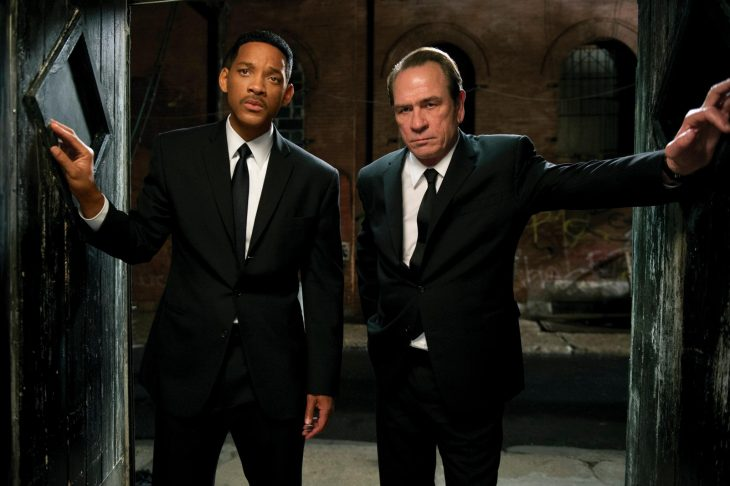 Will Smith y Tommy Lee jones en la película hombres de negro